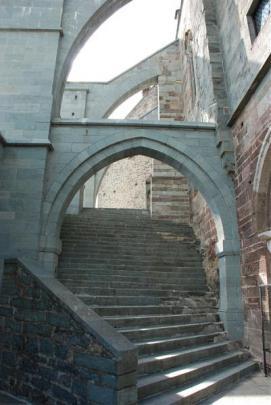 SacraSMichele--Escaleras01
