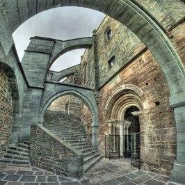 SacraSMichele--Escaleras03