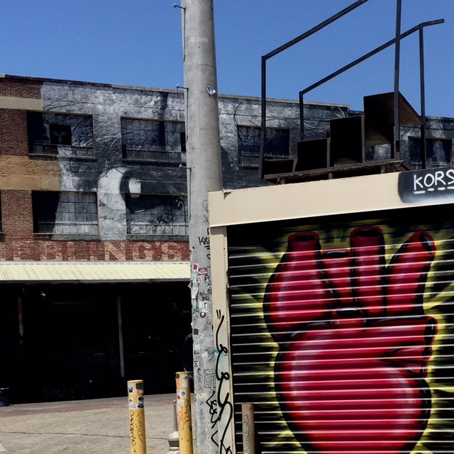 los-angeles-arts-district-street-art-dtla-watchful-eye-and-heart