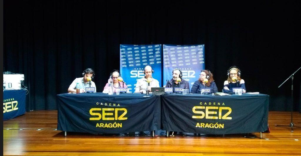 Radio Zaragoza desde el Centro Cívico en el Centenario de Oliver