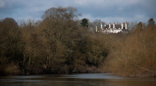 Big house on the river Severn