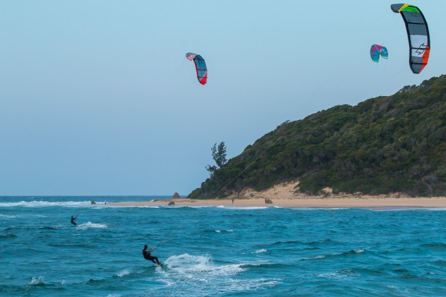 Kite Surfers in the bay at Ponto do Ouro