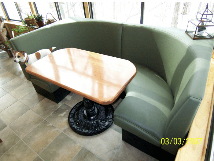 Browns-Rustic-Circle-Booth.fw_