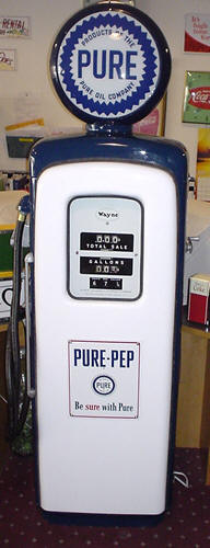 restored-retro-gas-pump