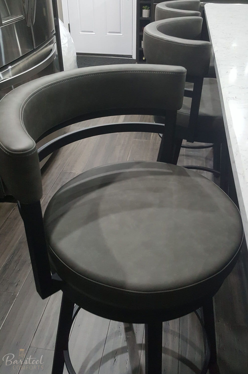 24 Inch Chair
