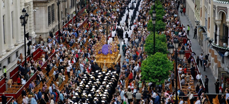 how is semana santa in seville easter