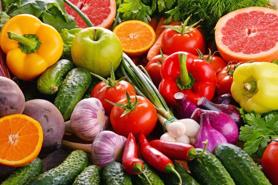 tapas vegetarianas de verdura y fruta