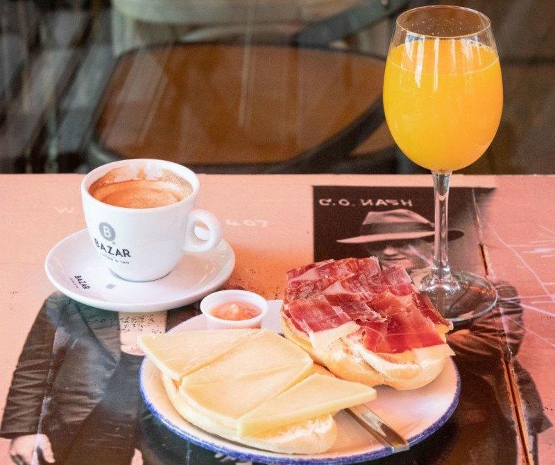 Breakfast Luca's city