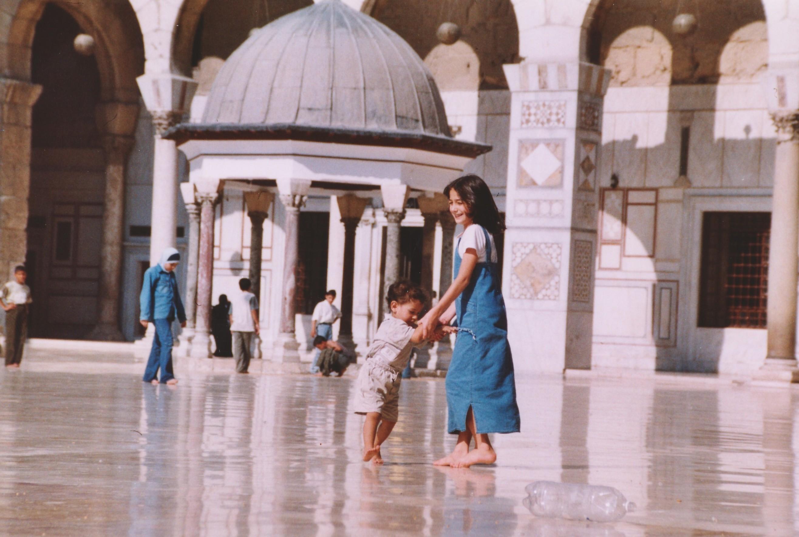 Foto di Valentina Perniciaro _ Girotondi in moschea _