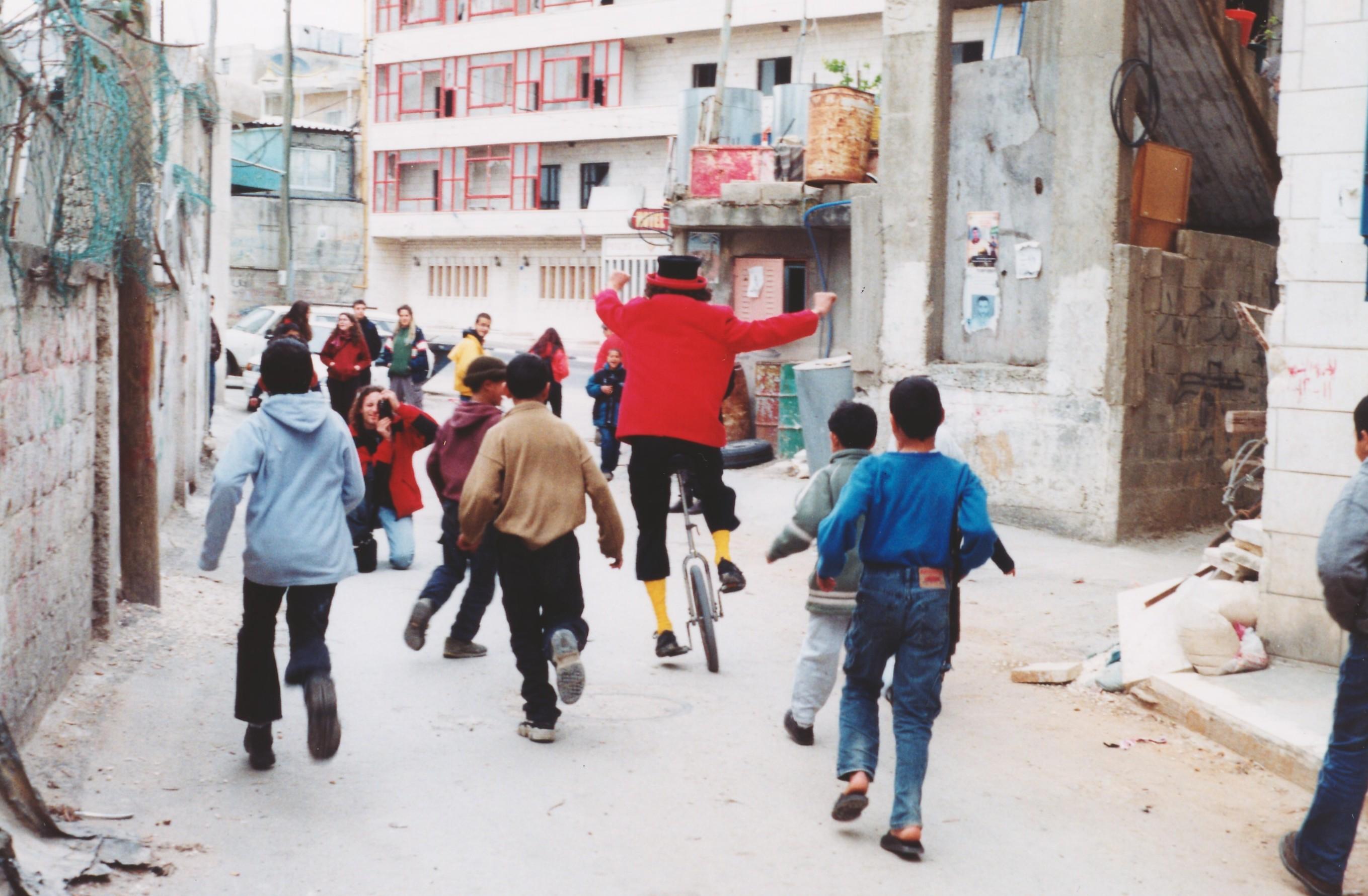 Foto di Valentina Perniciaro _Palestina, Betlemme, giocando nei campi profughi_