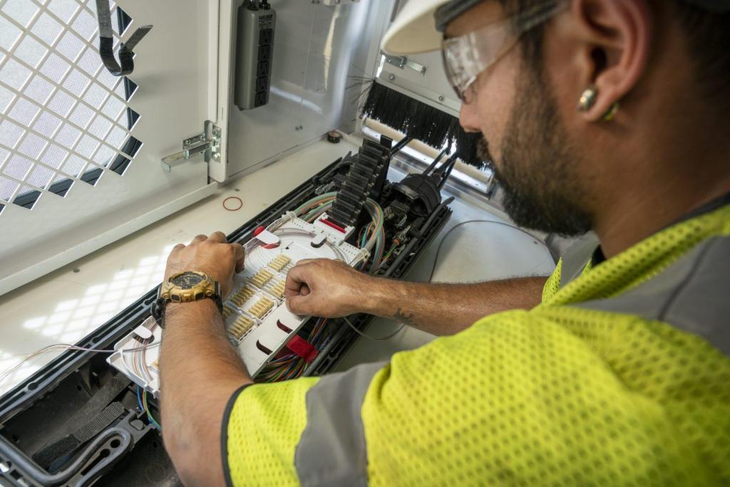 BAS Fiber Optics Splicing Design Installation Certification
