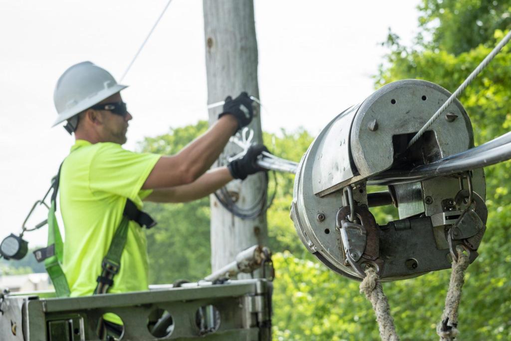 Cable Construction Lineman Aerial Coaxial Fiber