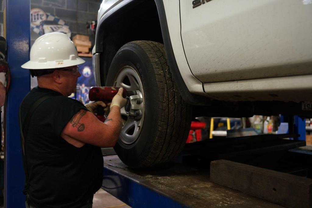 Shane Fleet Management Vehicle Tire Mechanic