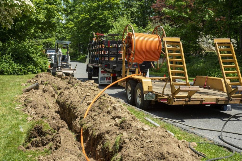Underground Construction Broadband Coax Conduit Trench