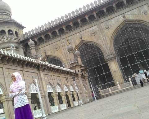 Kaum Perempuan Minoritas dan Ladang-Ladang Kebaikan di Hyderabad; Sebuah Catatan Perjalanan