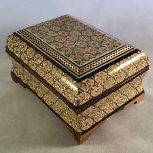 Schmuck-Schatulle im persischen Khatam-Stil