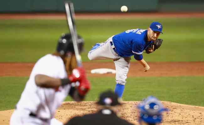 4 Seam Vs 2 Seam Fastball What S The Difference