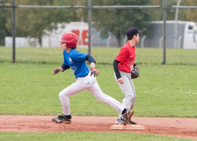 Erik - Baserunning - catching the inside corner with the right foot