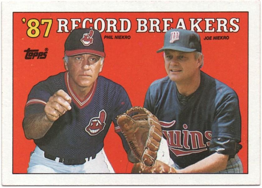 1988 Topps #5 Phil Niekro / Joe Niekro