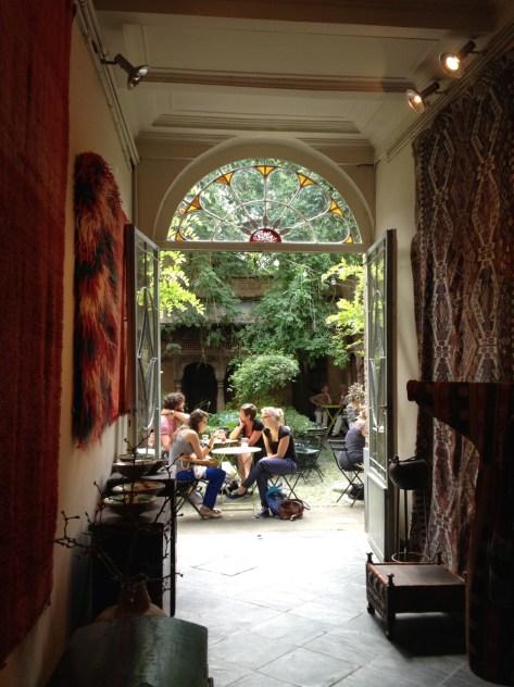 Courtyard café in Ghent