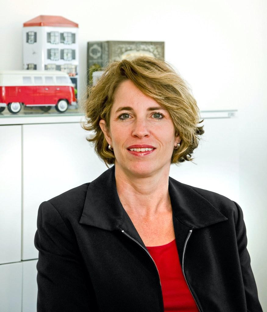Basel und Region - Persönlichkeiten mit Miriam Baumann-Blocher  baselundregion.ch