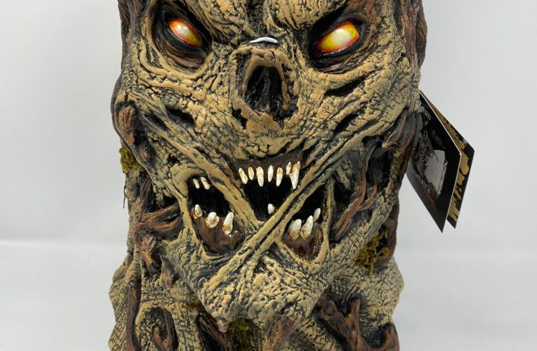 MONSTROUS MASK REVIEWS: The Boor Tree Scarecrow by Lord Grimley's Manor