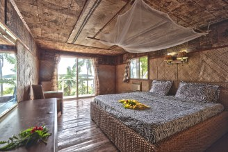 Guest room, interior Queen Fale