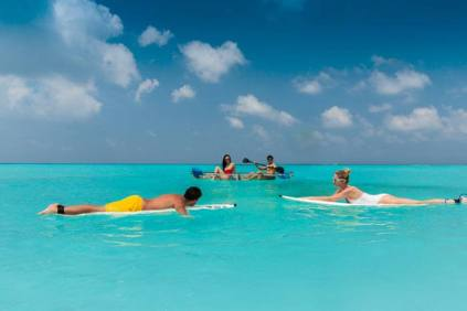 Club Med_paddleboarding