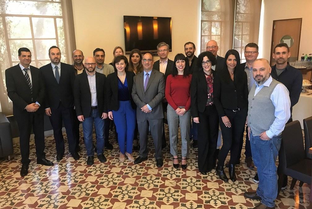 """منظمة """"رايب إن. سي. سي"""" و""""الجامعة الأمريكية في بيروت"""": شراكة ناجحة في التعليم الإلكتروني"""