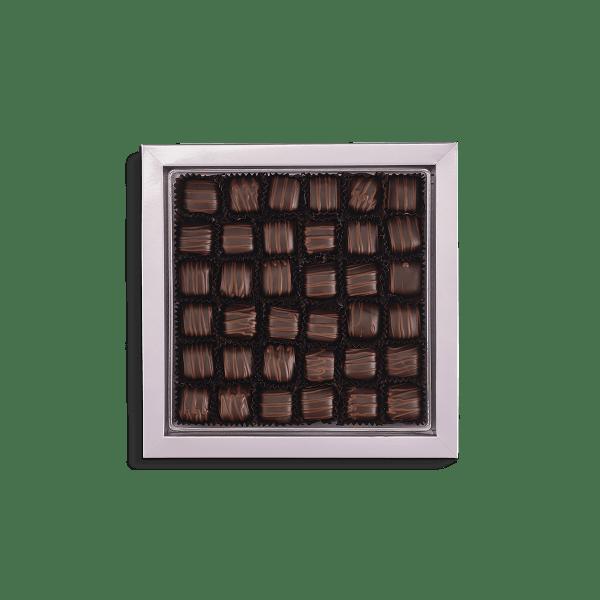 زبدة لوز مغطاة بالشوكولاتة الداكنة 440 غرام قهوة دنياسي