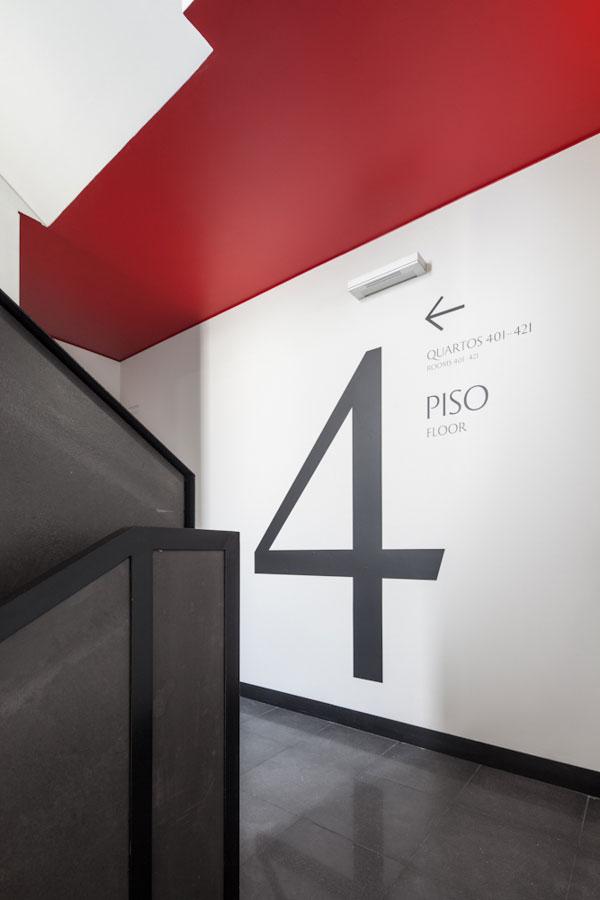 21 Stunning Wayfinding & Signage Designs – Bashooka