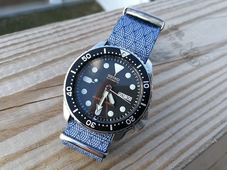 Blue Waves Graphic NATO on Seiko SKX007 Diver