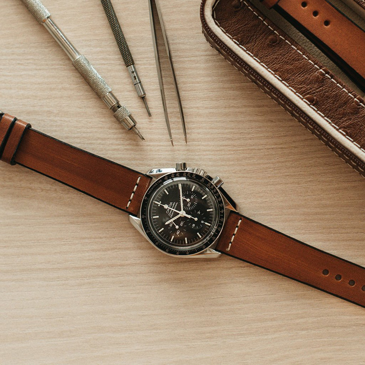 Two-Stitch Watch Straps - Cross -Stitch Leather Honey strap on Omega Speedmaster