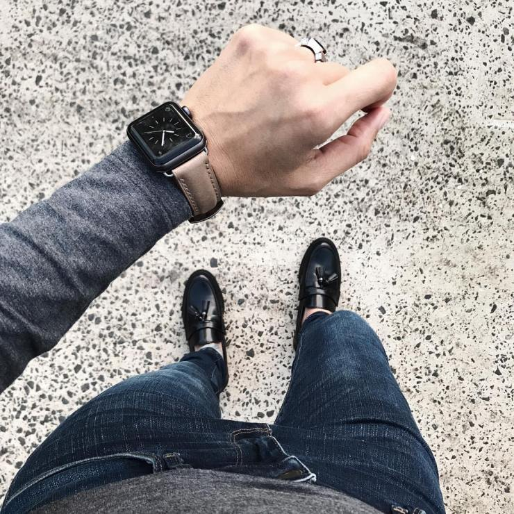 Bas & Lokes beige Westinghouse handcrafted leather watch strap on an Apple Watch