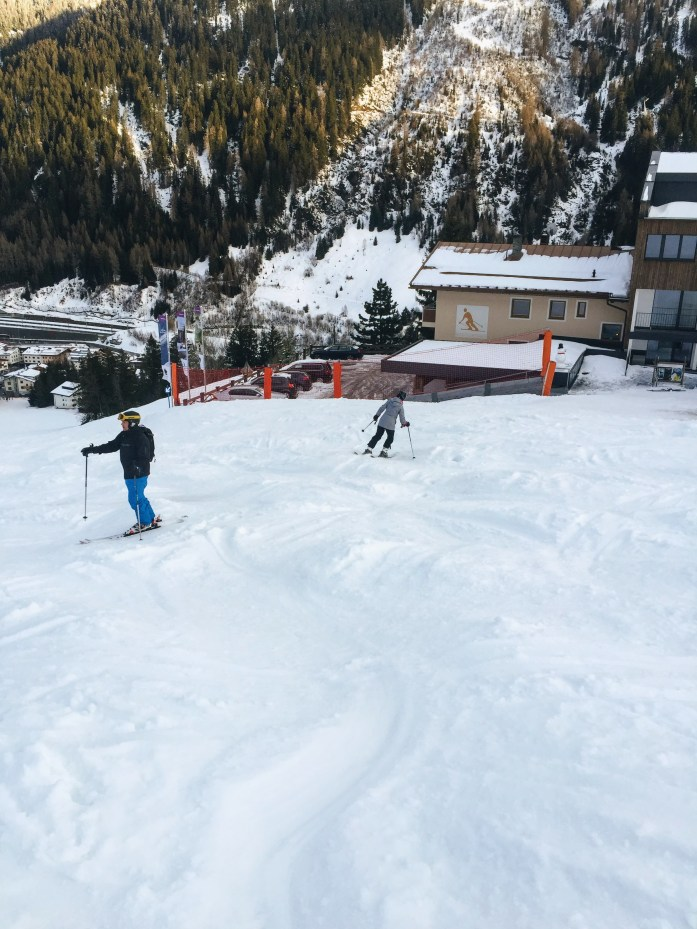Skiing down from Mooserwirt, St Anton am Alberg