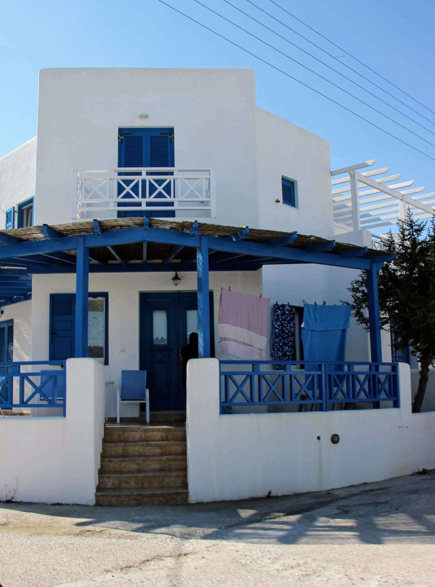 Pollonia, Milos