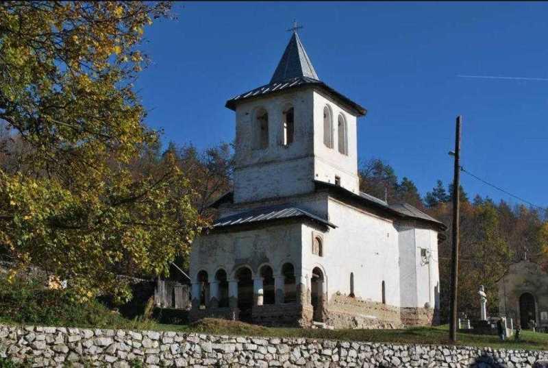 vizite-pastorale-in-episcopia-severinului-si