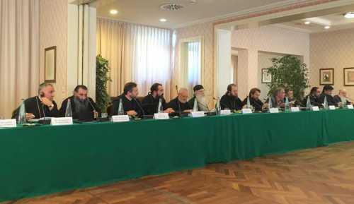 Comisie Dialog teologic