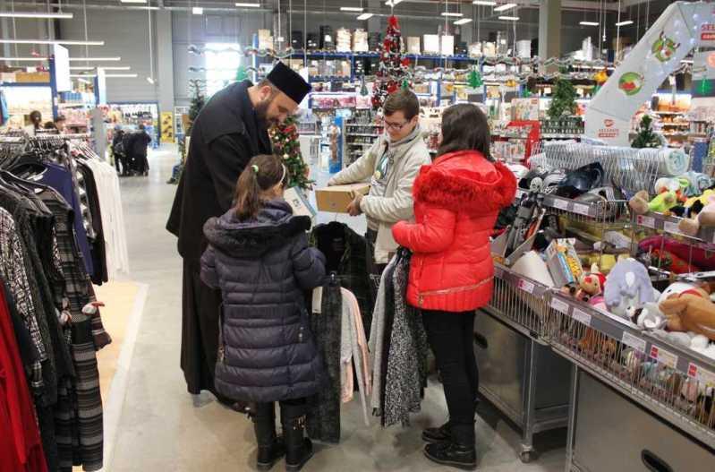 haine-de-iarna-pentru-copiii-familiilor-sinistrate-din-judetul-galati