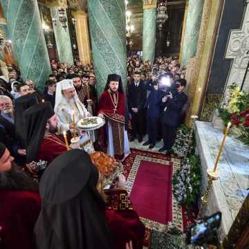 Patriarch Daniel officiates memorial service for Patriarch Justinian Marina