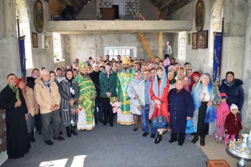 PS Antonie de Orhei la parohia Sfintii Apostoli Petru si Pavel din Negresti Straseni 9 aprilie 2017 (16)