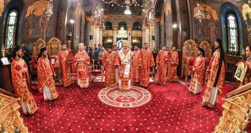Great and Holy Thursday - Patriarch Daniel celebrates Divine Liturgy at the Patriarchal Cathedral 2017