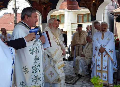 IPS Andrei a sfinţit o biserică în Bistriţa