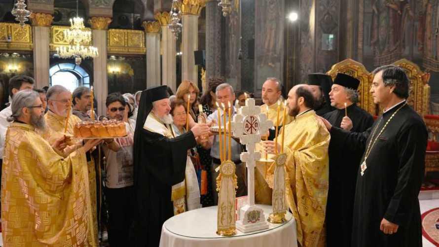 PS Varlaam a oficiat o slujb[ de pomenire pentru patriarhii Iustin si Teoctist