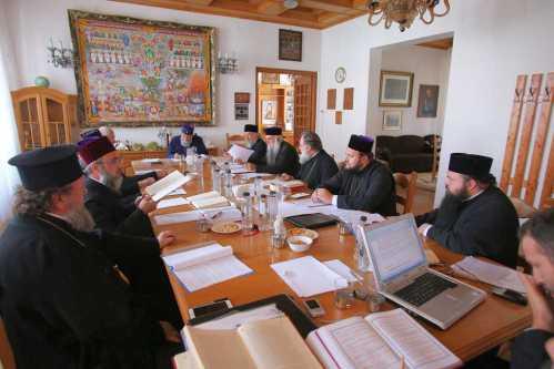Comisia liturgică a Sf Sinod (2)