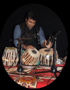 2019 juillet, danse Kathak, Debojyoti Sanyal, au Tabla
