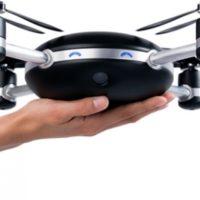 havaya-atinca-calisan-ve-sizi-takip-etmeye-baslayan-drone-lily-camera-705x290