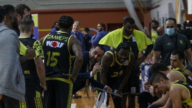 Ο πάγκος του Άρη στη διάρκεια αγώνα της Stoiximan Basket League 2020/21