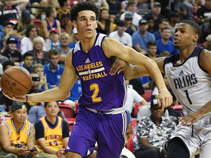 Lakers. Photo by Scott Varley, Daily Breeze/SCNG