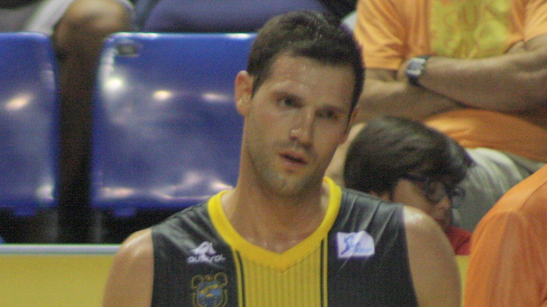 Ian O'Leary deja el baloncesto en activo